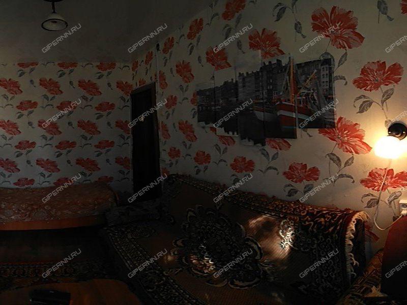 двухкомнатная квартира на улице Максимова дом 12 город Бор